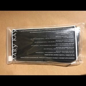 MaryKay essential brush collection